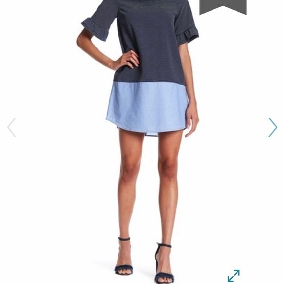 Doe & Rae Dresses & Skirts - Doe & Rae navy striped ruffle sleeve dress size M